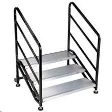 RTHAV - Stage Stairs 3 Tread Rental